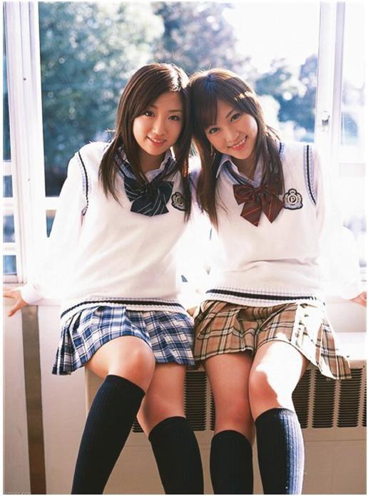 Фото ученицы в мини юбке 8 фотография